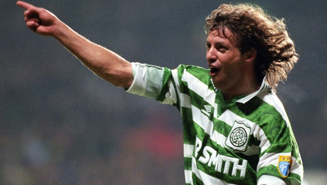 Jorge Cadete scores for Celtic